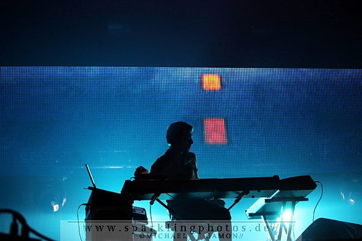 2010-10-31_Echo_And_The_Bunnymen_-_Bild_001x.jpg