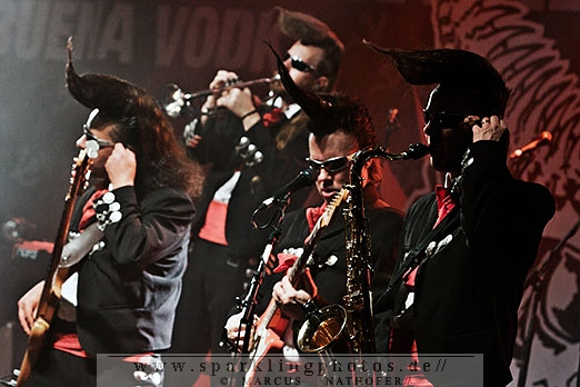 2011-12-05_Leningrad_Cowboys_-_Bild_001.jpg