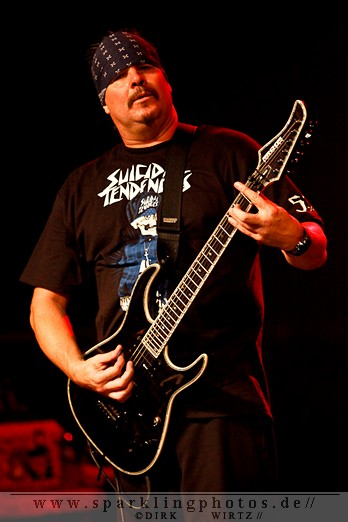 2012-01-21_Suicidal_Tendencies_-_Bild_007.jpg