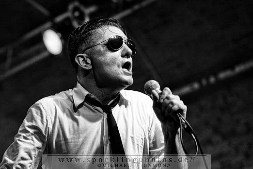 NITZER EBB's Frontmann DOUGLAS J. MCCARTHY gibt Solo-Livepremiere beim WGT 2012!