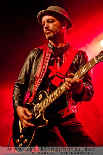 KRAFTKLUB & THE WORLD DOMINATION - Köln, Live Music Hall (23.04.2012)
