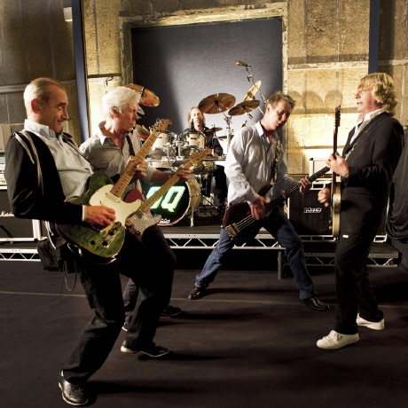 preview-statusquo2012.jpg