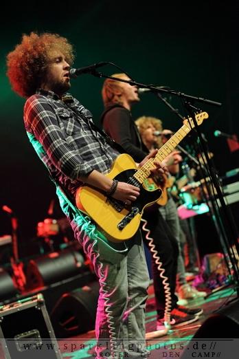 THE ASTEROIDS GALAXY TOUR & COLOR ONES - NL- Heerlen, Parkstad Limburg Theater (14.10.2012)