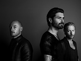 preview-2013-Biffy_Clyro_New_Press_Picture_06.jpg