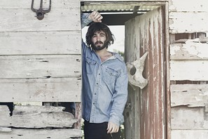 Preview : Singer-/Songwriter ANGUS STONE auf Solopfaden in Köln