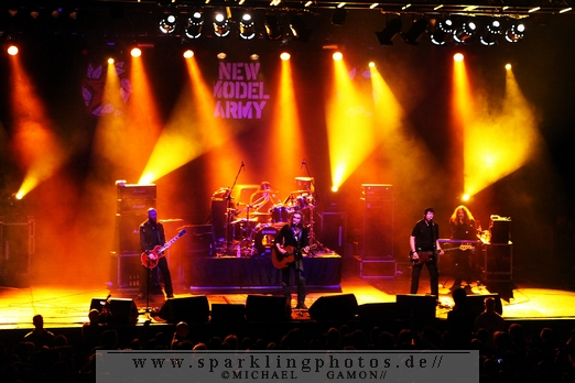 Preview : NEW MODEL ARMY rocken Ende April 2013 das FZW in Dortmund