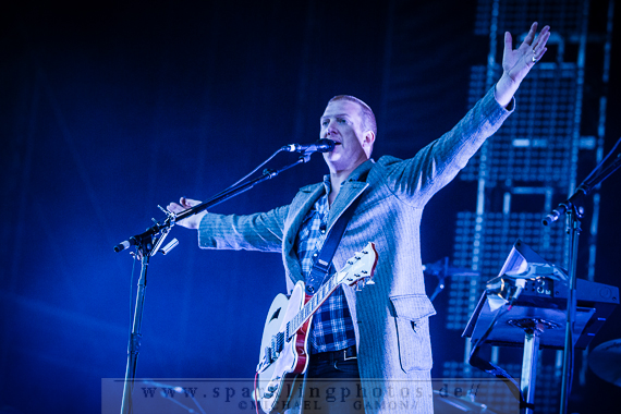 2013-06-23_Queens_Of_The_Stone_Age_-_Bild_011x.jpg