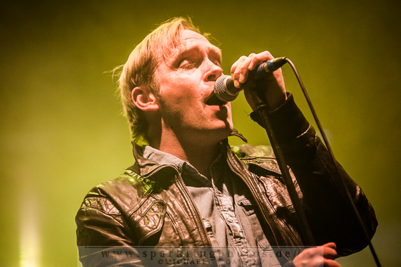 Preview : Live-Dauerbrenner THEES UHLMANN auch im Frühjahr 2014 wieder auf Tour