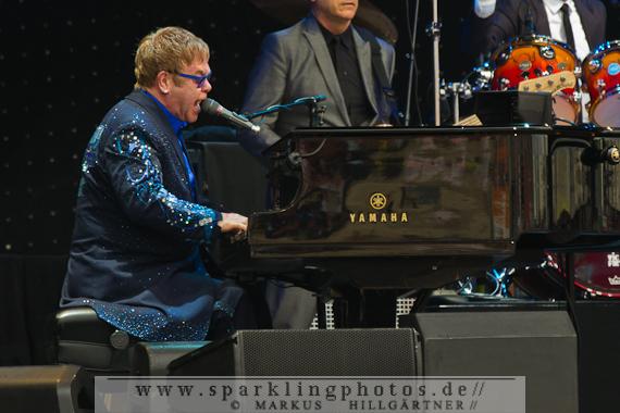 2014-07-20_Elton_John_-_Bild_011.jpg
