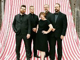 preview-2015-the-decemberists.jpg