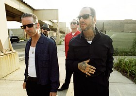 preview-social_distortion-Photo-Credit-Danny-Clinch.jpg