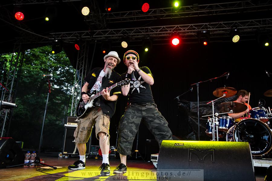 MANU CHAO & THE BEATBURNERS - Köln, Tanzbrunnen (08.06.2015)