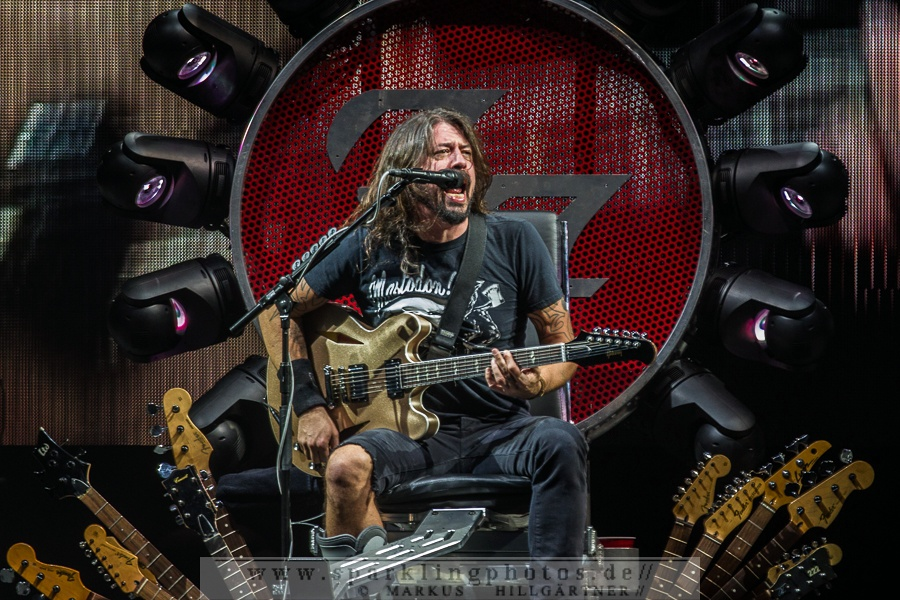 FOO FIGHTERS - Köln, Lanxess Arena (06.11.2015)