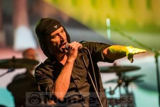 Laibachs Milan Fras in seinem Element