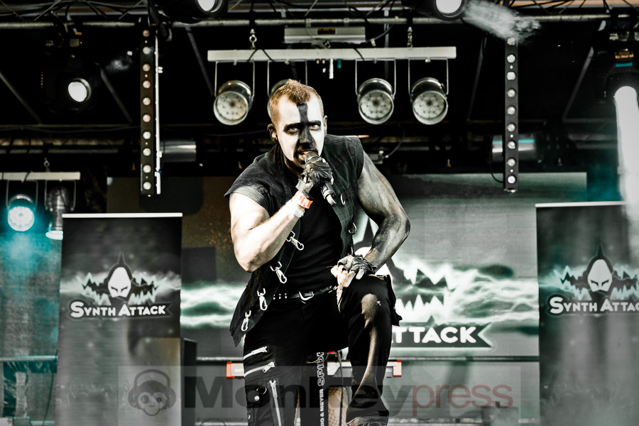 Synth Attack, © Danny Sotzny
