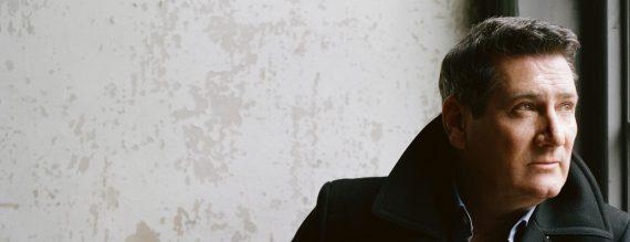 TONY HADLEY hält eine musikalische Zwiesprache mit dem Mond