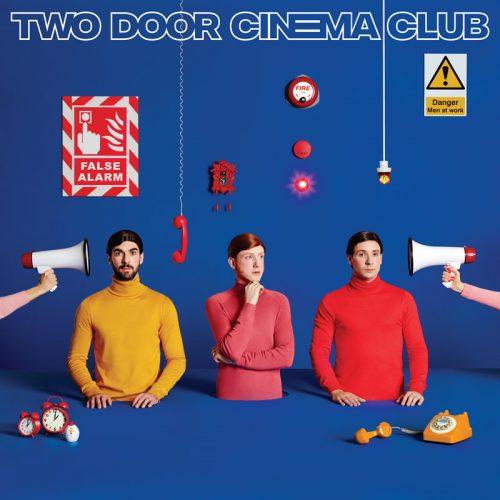 TWO DOOR CINEMA CLUB auf Tour