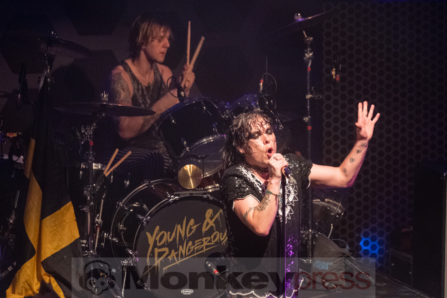 The Struts © Angela Trabert