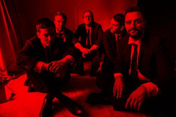 Neue Lieder über die Liebe und den Tod - TOM SCHILLING & THE JAZZ KIDS on Tour