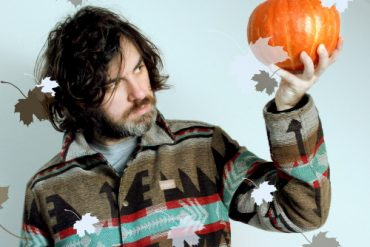 "GREGOR MCEWAN: präsentiert das Video zu ""Halloween Costume"""