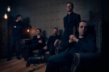 Walk On The Mirror - WHISPERS IN THE SHADOW veröffentlichen die zweite Single von Album Nummer 10